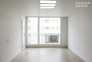 화이트톤의 깔끔한 순백색 아파트 인테리어