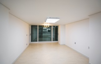 화이트 모던 & 심플한 44평 아파트인테리어