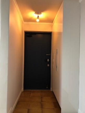 화이트 블랙&골드의 고급스러운 아파트인테리어
